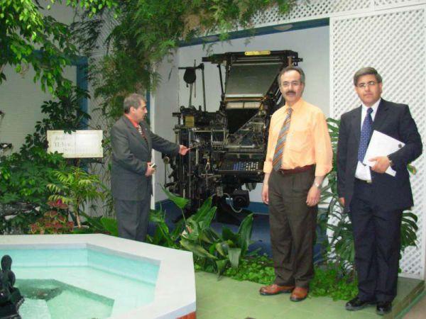 Alberto Centurión y Ricardo Chapulín Ferreyra, visitando La Prensa Austral, emblemático diario del cono sur americano con sede en Punta Arenas.