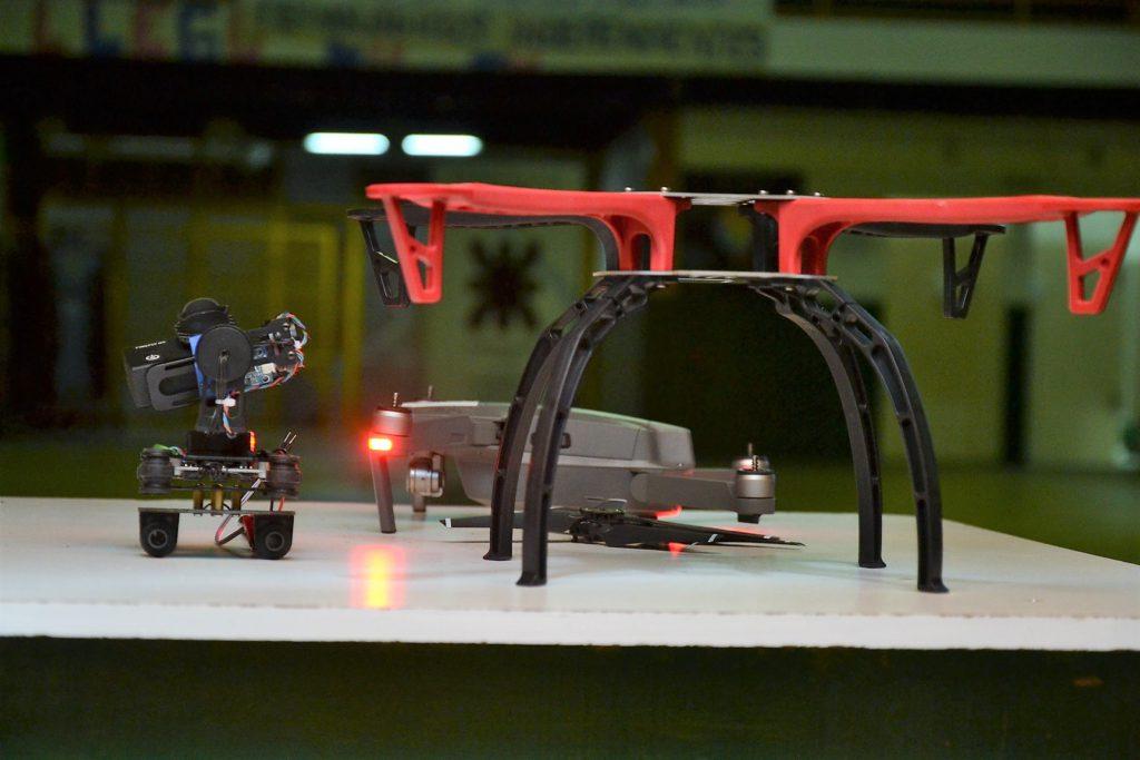 Según se supo, hacia fin de año, los alumnos desarrollarán otras actividades relacionadas para lo vinculado a los drones o para investigación.