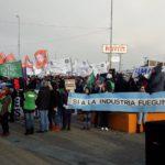 """La Multisectorial se movilizó en Río Grande bajo el slogan """"Seguir viviendo en TDF"""""""