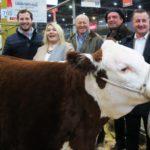 Bertone visitó a los productores fueguinos en la Expo Rural