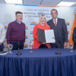 """Bertone firmó el convenio para la construcción de la Escuela """"Las Gaviotas"""""""