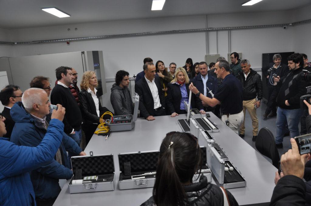 El CEN-TEC es el más moderno y mejor equipado de los dos únicos centros que hay en el país. El otro está en Salta.