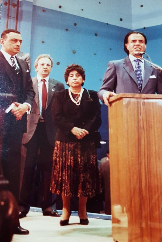 Zulema Lodeiro, presente e inconforme con el discurso brindado por el presidente de la Nación Carlos Menem.
