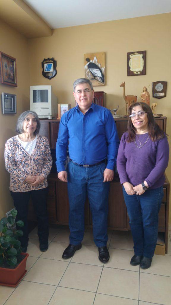 El Director de Provincia 23, Alberto Centurión, recibió en su oficina a las hermanas Lodeiro.