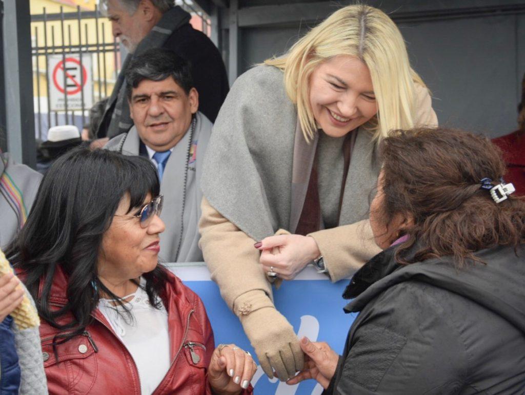 El intendente Walter Vuoto y a la gobernadora de la Provincia, Rosana Bertone, encabezaron los actos centrales que comenzaron a las 08:00 de la mañana en la Prefectura Naval Argentina.