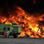Fábrica de plásticos quedó reducida a escombros tras impresionante incendio