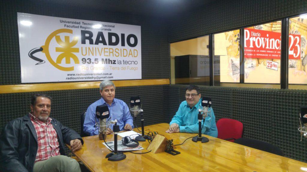 El vicedecano de la Facultad Regional Tierra del Fuego de la Universidad Tecnológica Nacional, Ing. Francisco Álvarez, visitó los estudios de Radio Universidad (93.5) para dialogar sobre su participación, en representación de la tecnológica, en la 64° Reunión y Asamblea Plenaria del Consejo Federal de Decanos de Ingeniería (CONFEDI). El evento se llevó a cabo los días1 y 2 de noviembreen la ciudad deCórdoba,en el marco de los festejos por el30° Aniversario de su nacimiento y el 100° Aniversario de la Reforma Universitaria.