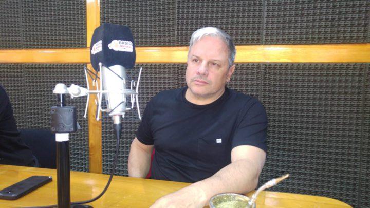 El ministro de Obras Públicas Luis Vázquez visitó los estudios de Radio Universidad 93.5 y respondió a las declaraciones del diputado de Cambiemos Héctor Stefani, quien aseguró que la mayoría de las obras que realiza la provincia son financiadas por el gobierno nacional.