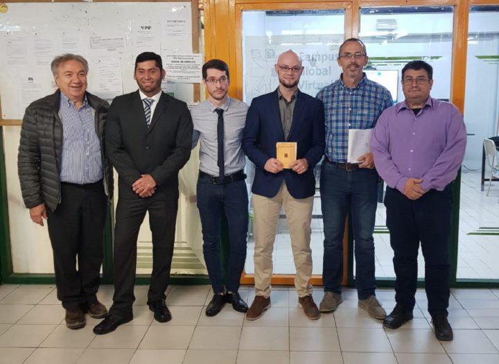 La Facultad Regional Tierra del Fuego de la UTN, graduó a tres Ingenieros Industriales. Se trata de Gabriel Galván, Jorge Jesús Medina y Matías Emanuel Bazán quienes presentaron la defensa de su proyecto para convertirse en ingenieros.