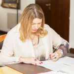 Bertone firmó el decreto que establece los términos de la transición ordenada del gobierno