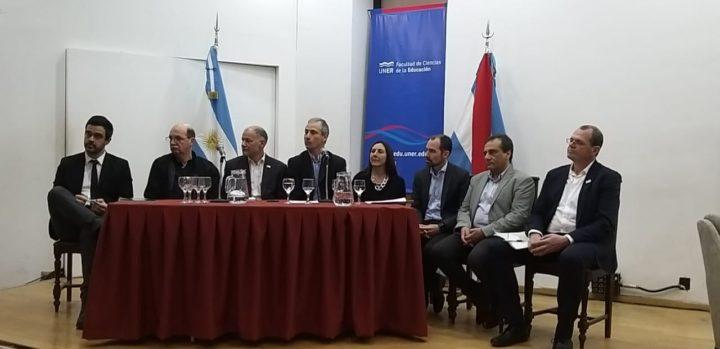 Un prestigioso panel encabezó la apertura del V Encuentro de la Red Internacional de Radios Universitarias.