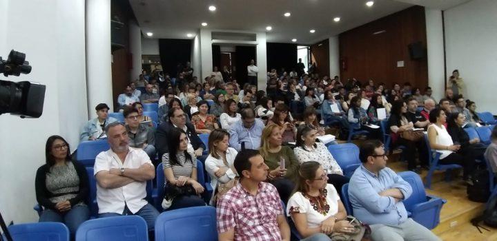 """Este encuentro aglutina a redes de radios universitarias como ARUNA, presidida por el Profesor Aldo Rotman, la Red de Radios Universitarias del Ecuador (RRUE), la Red de Radios Universitarias de México (RRUM), la Red de Radios Universitarias de Chile (REUCH) y la Asociación de Radios Universitarias de España (ARU), además de radios asociadas de Uruguay, Paraguay, Brasil, Costa Rica, Nicaragua, Portugal e Italia. También estará presente Roberto Ramírez, Presidente de la """"Spanish Public Media Foundation""""."""