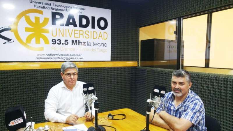 El propietario de Grande Porcina, Daniel Parún, dialogó con Radio Universidad 93.5 sobre su emprendimiento, ubicado a unos 100 kilómetros de la ciudad de Río Grande, donde se produce ganado porcino que luego se vende fundamentalmente en la zona norte.