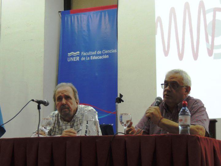 Mario Giorgi, vicepresidente de la Asociación de Radios Universitarias Argentinas (ARUNA) y de la Red Internacional Universitaria (RIU) junto al Dr. Fernández.