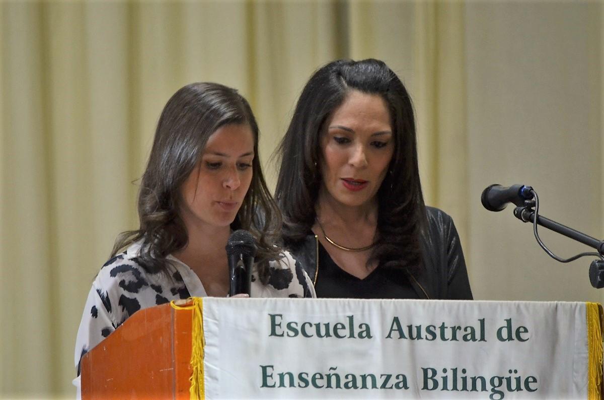 Este viernes, la Escuela Austral de Enseñanza Bilingue, (EADEB) cerró el año escolar con dos eventos. Por la mañana se llevó adelante la ceremonia de cierre de ciclo lectivo 2019. En tanto que, por la arde, los sextos años celebraron el acto académico de promoción 2019.