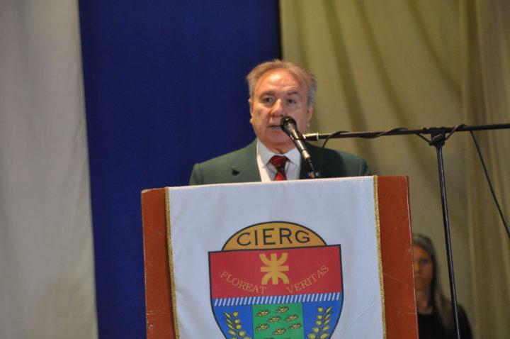 Este lunes se llevaron a cabo los actos de inicio de ciclo lectivo tanto en el CIEU (Colegio Integral de Educación Ushuaia) como en el CIERG (Colegio Integral de Educación de Río Grande). Ambos fueron acompañados por la comunidad educativa y una gran concurrencia de padres.