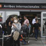 Confirmaron otros diez casos y tres de ellos se contagiaron en la Argentina