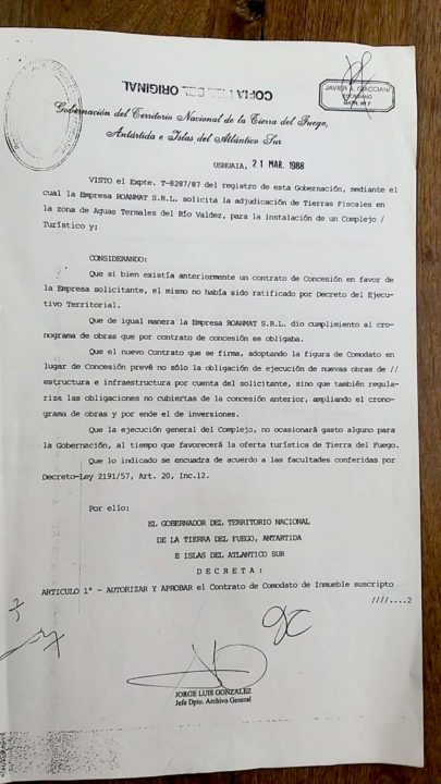 """El concesionario de las Termas del Río Valdez, Rolando Reyes, aseguró que el intendente Harrington lo llamó """"como veinte veces"""" pero no está dispuesto a negociar."""