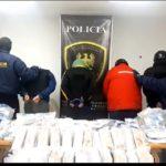 El operativo antidrogas permitió el decomiso de 27 kilos de marihuana, dinero en efectivo armas y la detención de cinco personas