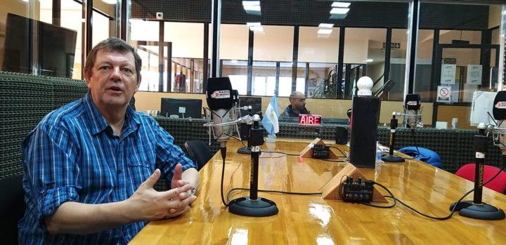 El Ingeniero Eduardo Koroch, director industrial del grupo Mirgor, visitó los estudios de Radio Universidad y dio detalles de la fabricación de respiradores, un proyecto que comenzó a elaborarse en el mes de marzo y en apenas 45 días logró cubrir la demanda del país.