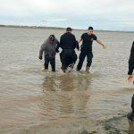 Policías rescataron a un joven del río Grande