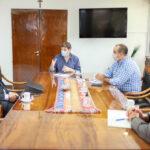 El gobernador Melella se reunió con directivos de Total Austral