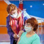 Se comenzará a vacunar a personas de 63 años en adelante contra el COVID-19